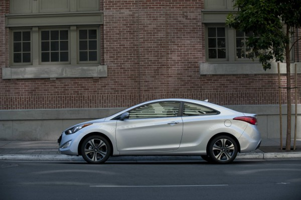 2013 hyundai elantra coupe side