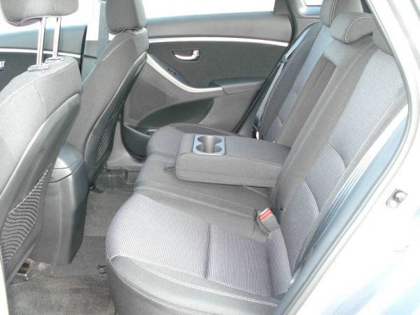 2013 hyundai elantra gt rear seats