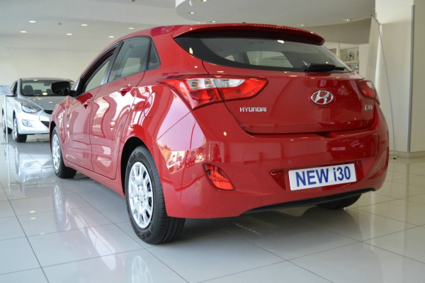 2013 hyundai i30 red 5