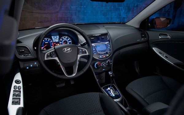 2013_hyundai accent interior 3