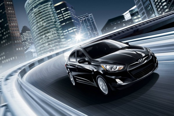 2013_hyundai accent sedan 8