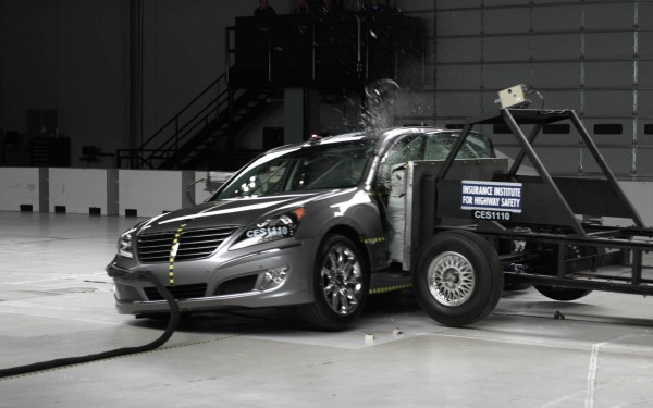 hyundai equus crash test 1