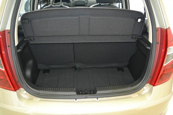 hyundai i10 trunk space