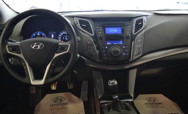 hyundai i40 cockpit interior 3