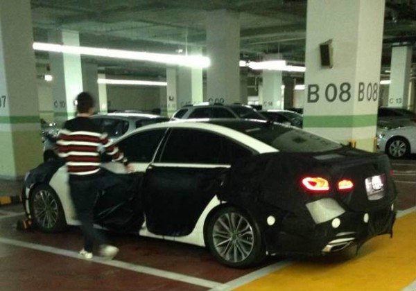 new 2014 hyundai genesis sedan spy photos 4