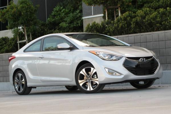 2013 Hyundai Elantra Coupe Front Three Quarters View 1