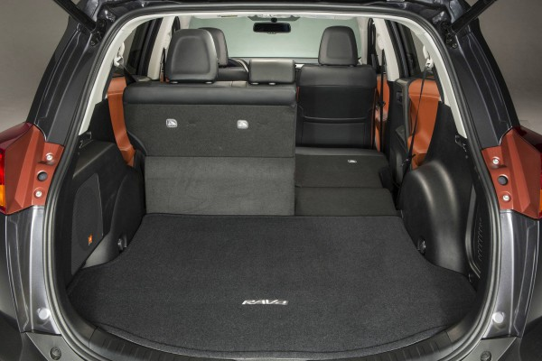 2013 toyora rav4 trunk boot
