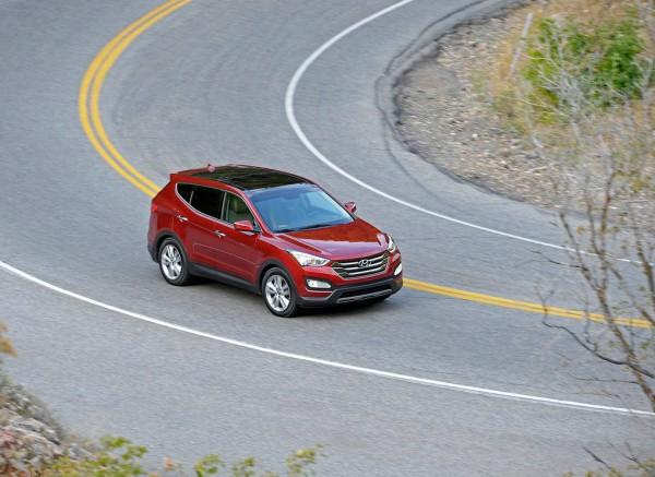 Hyundai Santa Fe Sport 2013 side in motion