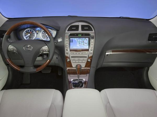 Lexus ES350 2012 interior dash