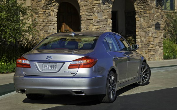 hyundai genesis 2012 rear side
