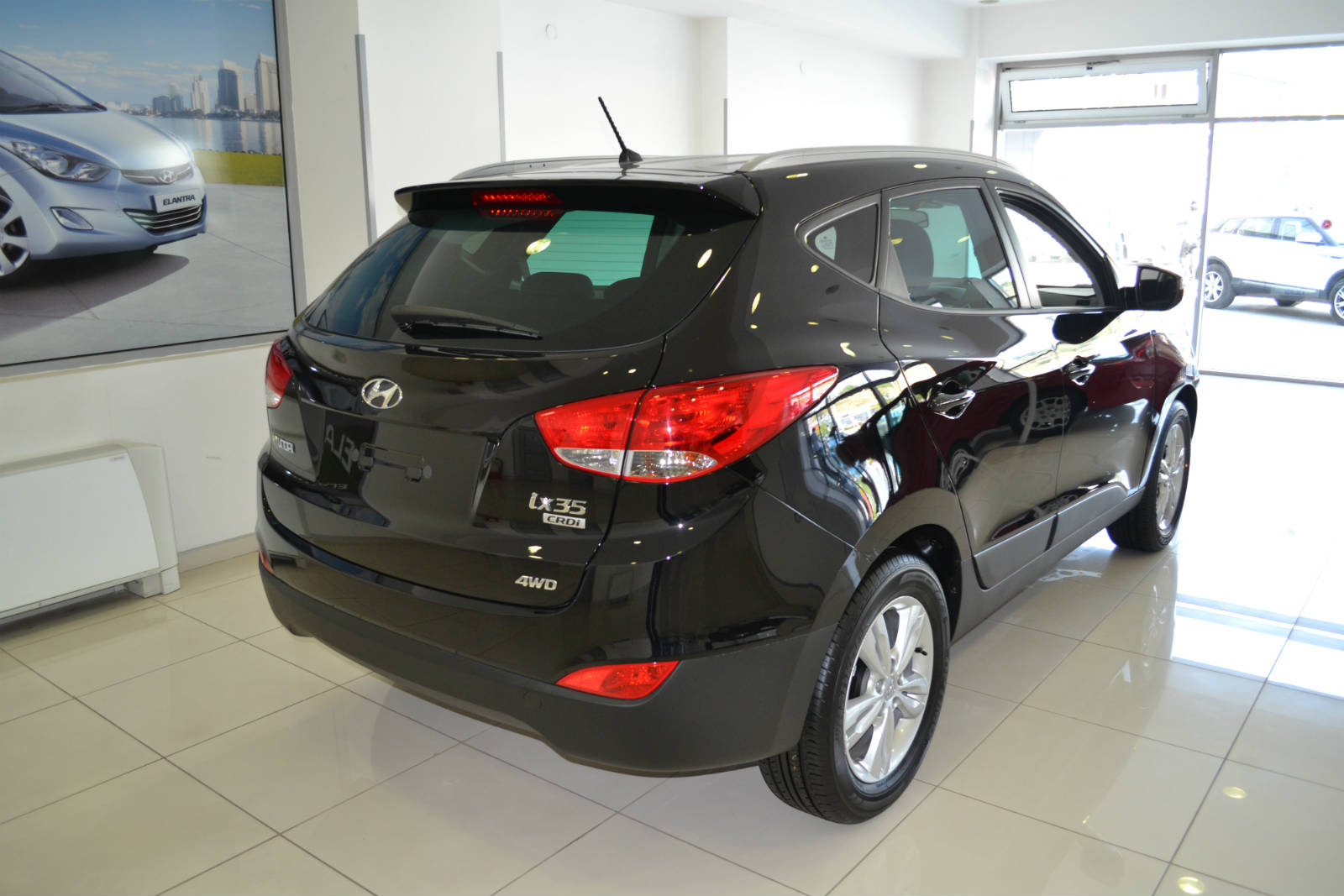 hyundai tucson ix35 will make you feel like it was. Black Bedroom Furniture Sets. Home Design Ideas