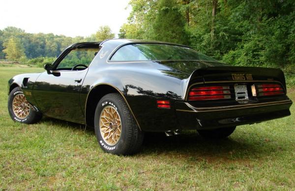 1977-Pontiac-Firebird-Trans-Am-Bandit