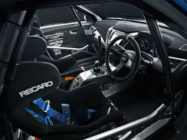 2013 Hyundai Veloster Turbo Racing Concept interior