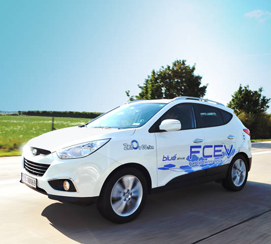 hyundai ix35 fuel cell in nature