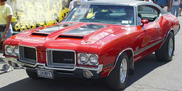 1970-Oldsmobile-442-2-600x320