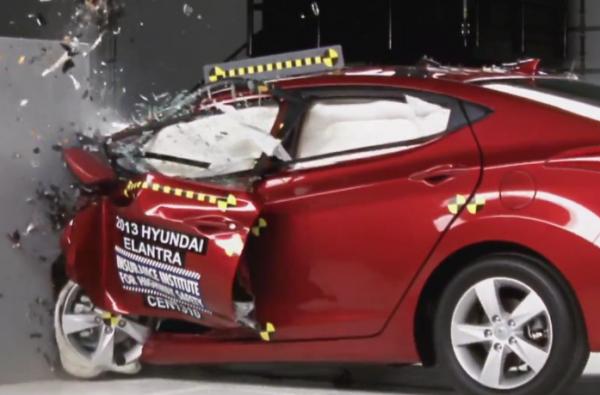 2013-hyundai-elantra-wins-top-safety-pic-plus