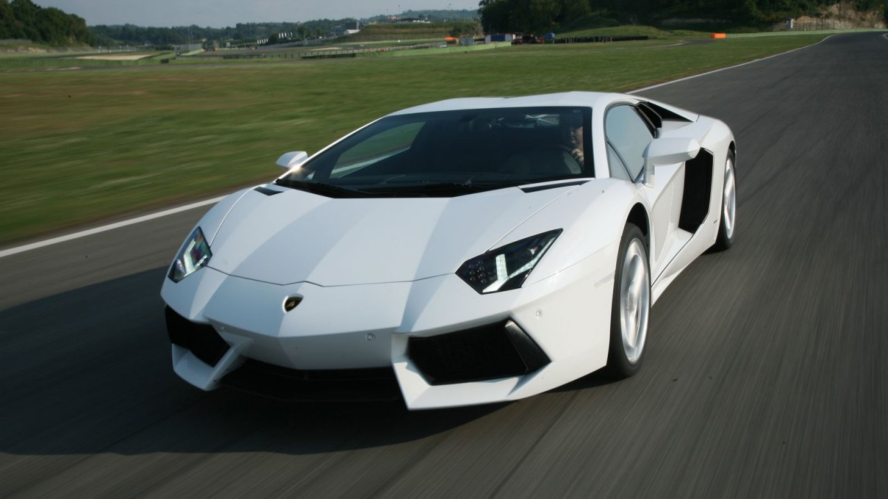 Lamborghini Aventador Lp700 4 From 0 To 300 Km H Acceleration