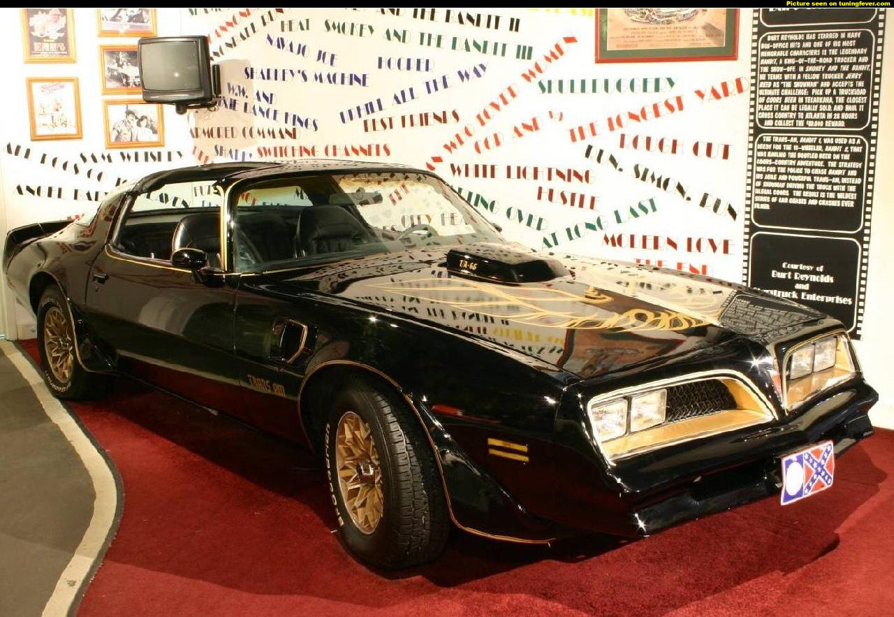 1977 pontiac trans am from smokey and the bandit muscle cars zone. Black Bedroom Furniture Sets. Home Design Ideas
