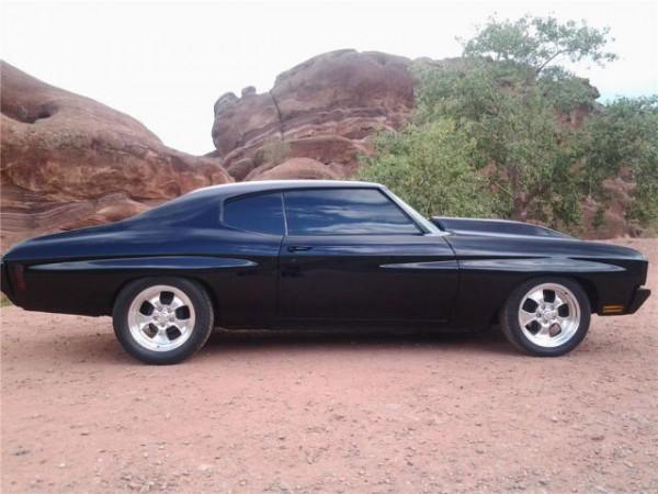 1970-chevrolet-chevelle-custom-2-door-coupe-04 (1)