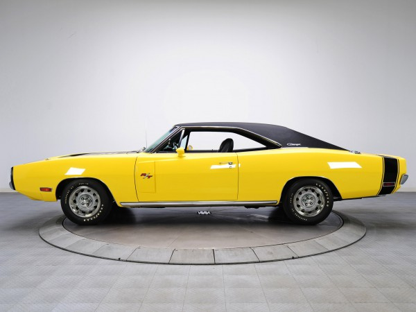 1970_Dodge_Charger_RT_426_Hemi_002_1075