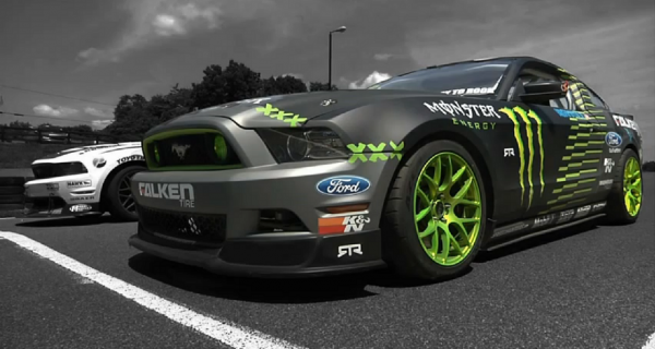Ford Mustang RTR Drift vs Grip