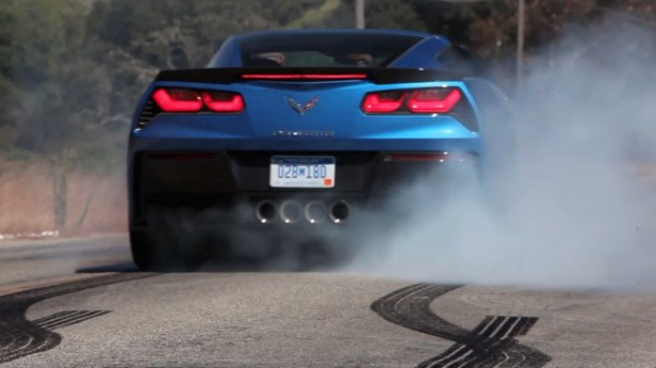 c7-corvette-stingray-massive-burnout-compilation-640x360