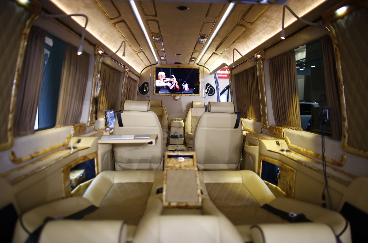 Germanys Klassen Vip Car Design Technology Brought Along A Van It Turned Into A Luxury Ride For Executives