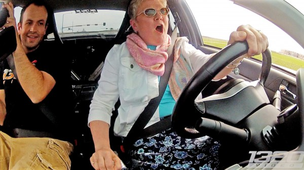 Mom DRIVES the 900hp 3Dx Evo