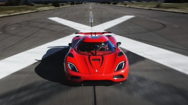 Koenigsegg Agera R: Faster Than a Bugatti Veyron? - Muscle Cars Zone!