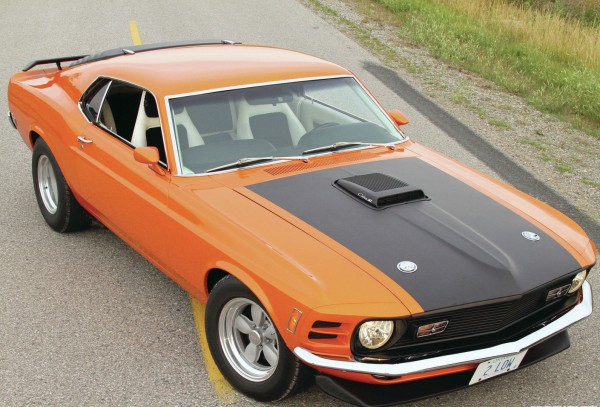 1970-ford-mustang-mach-1-front-view-hood