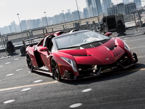 2014-Lamborghini-Veneno-Roadster-Front-Angle-6