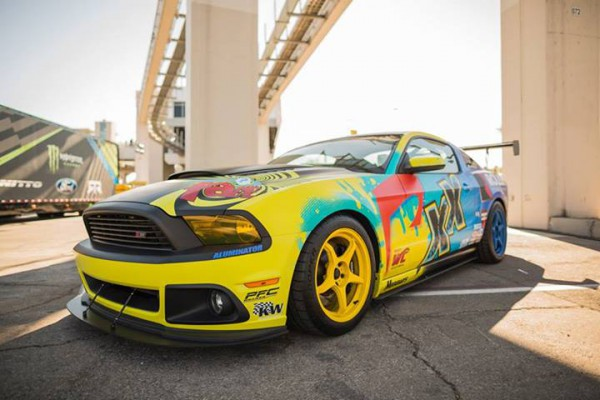 2014-roush-racing-world-challenge-car-01