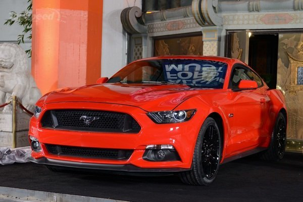 2015-ford-mustang-103_600x0w