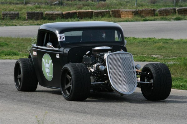 1933 Ford Custom Coupe b