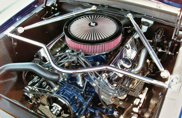 mdmp-1303-01+readers-roundup-march-2013+1967-ford-mustang-coupe-engine-view