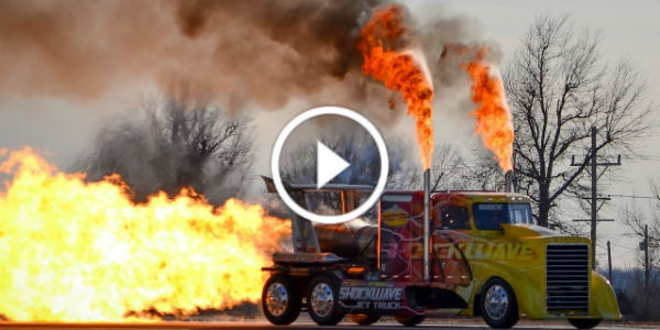Wow The World S Fastest Jet Powered Truck Has 3 Jet