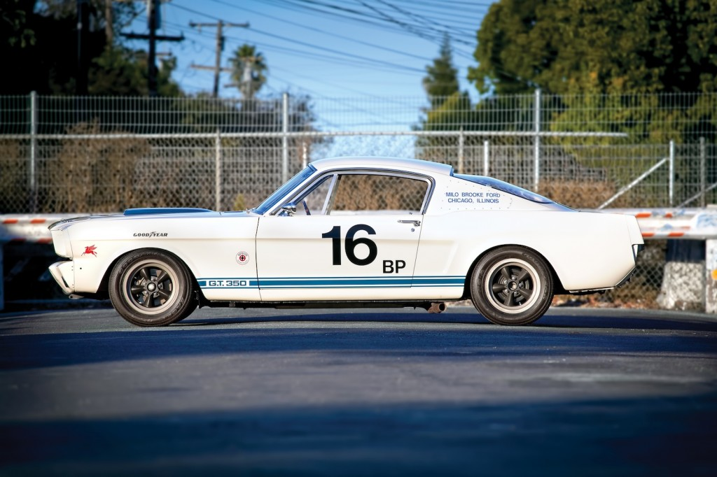 1402-1965-shelby-gt350-r-image-neil-fraser-for-rm-auctions
