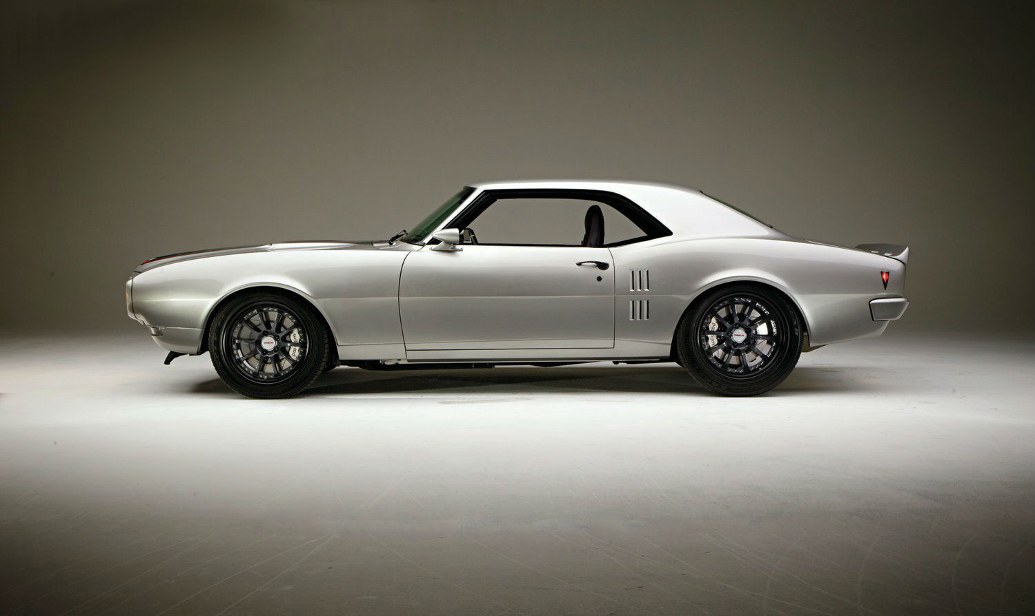 1968-pontiac-firebird-drivers-side
