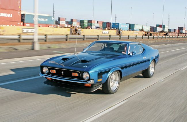 1971-ford-mustang-boss-351-first-and-foremost-front-side-view