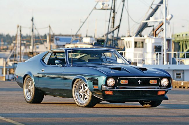 1971-ford-mustang-boss-351-first-and-foremost-headlights-front-view