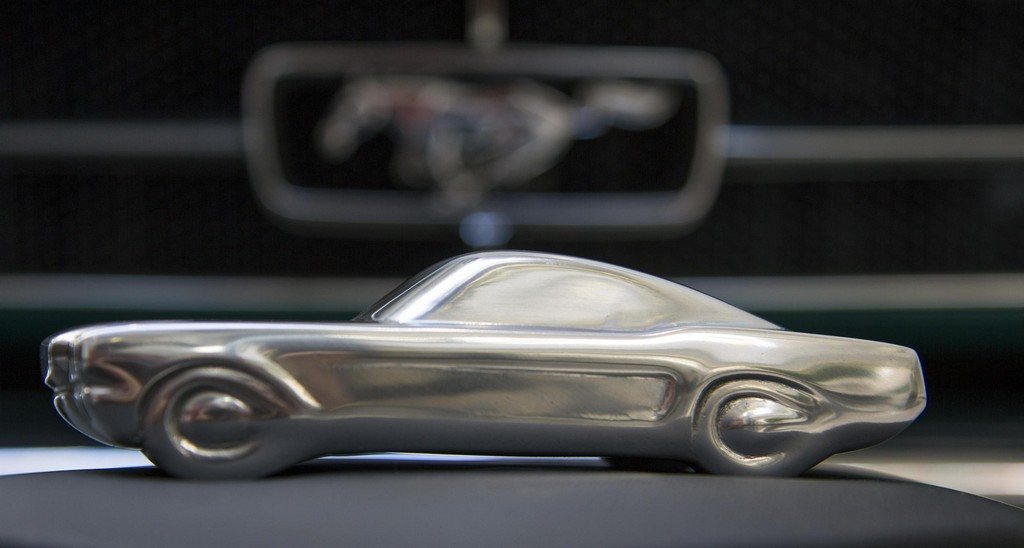 Ford-Mustang-Sculpture-0