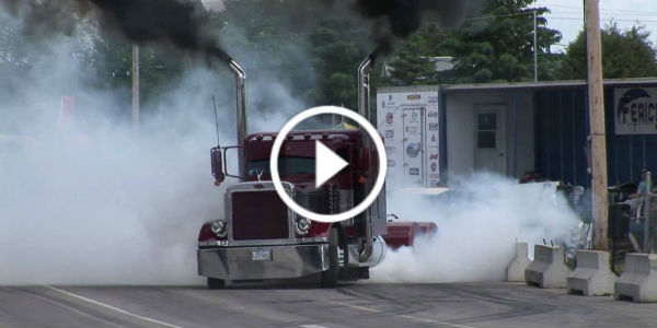 Crazy Truck Burnout! Spinning All Eight Rear Tires!
