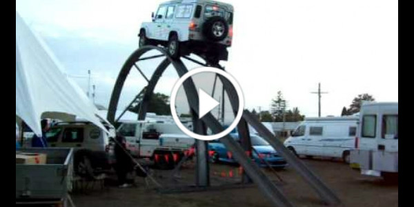 land-rover-driver-over-the-real-mans-4wd-track 2