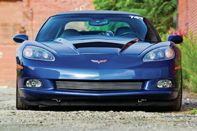 2006-chevrolet-corvette-convertible-front-view