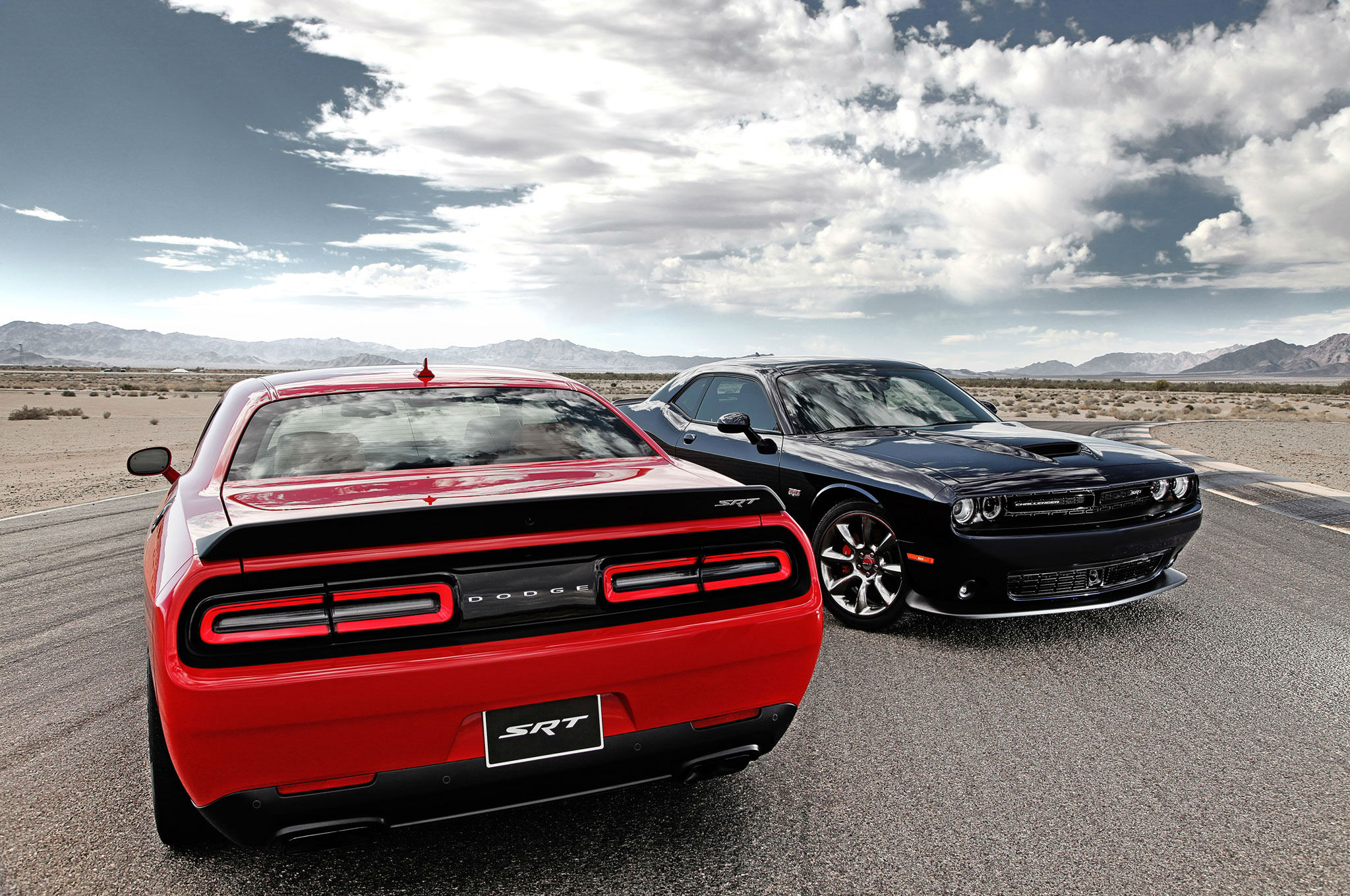 2015-dodge-challenger-srt-hellcat-with-392-model-wider-view