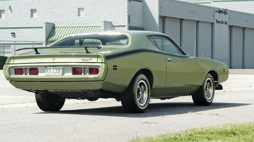 1971-dodge-charger-three-quarters b