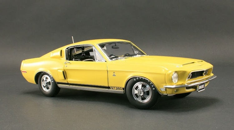 1405-1968-ford-mustang-diecast-engine-bay X