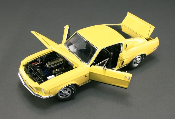 1405-1968-ford-mustang-diecast-engine-bay B