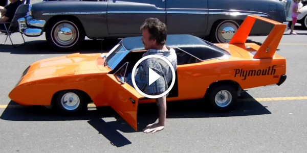 1 2 Scale 1970 Plymouth Superbird With A Briggs Stratton