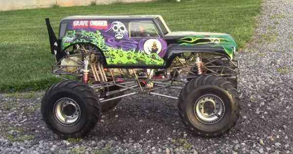 Gas Powered RC Grave Digger in action 1